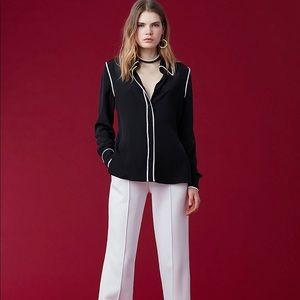 Beautiful Diane Von Furstenburg collared shirt SZ4